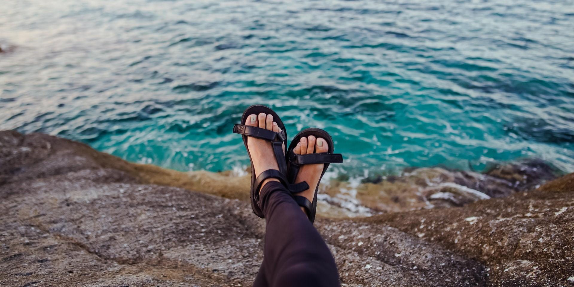 Sporty Sandals Women Featured